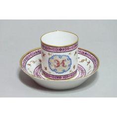 SÈVRES - Gobelet litron et sa soucoupe - XVIIIe siècle