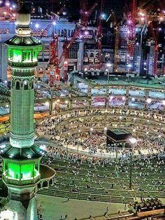 Amazing view of the Kaaba Masjid Haram, Mecca Masjid, Beautiful Mosques, Beautiful Places, Mecca Wallpaper, Mekkah, Islamic Images, Islamic Art, Islamic Architecture