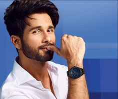 Bollywood Couples, Bollywood Stars, Bollywood Celebrities, Bollywood News, Shahid Kapoor, Tommy Hilfiger Watches, Photography Poses For Men, Star Photography, Photography Studios