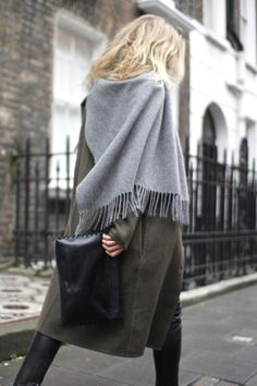 7 tips on how to master the art of layering Minimalist fashion / style tips / fashion tips