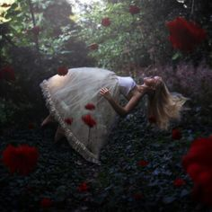 wow | amazing fine art photography | float | fly | floating | flowers | floral | springtime | sleeping beauty | fairytale | make believe |