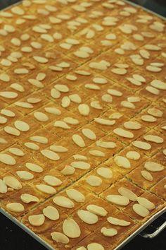 IMG_6068 Crispy Cookies, Cheese Cookies, Biscuit Cookies, Yummy Cookies, Chinese New Year Desserts, Chinese New Year Cookies, Almond Butter Cookies, Vanilla Cookies, Cookie Cake Pie