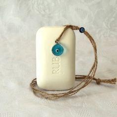 Petit prix sur nos savons à suspendre, choisissez son parfum et sa corde !