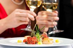 Couple for romantic Dinner or lunch in a gourmet restaurant Stock Photo Melbourne Restaurants, Restaurant Marketing, Restaurant Dishes, Bons Plans, Romantic Dinners, Romantic Night, Romantic Getaway, Superfoods, Brunch