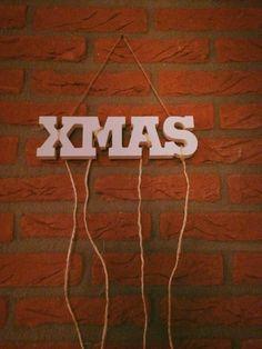 Simpel en makkelijk kerstkaarten ophangen.