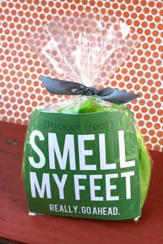 Smell My Feet! (Free Printable / Halloween Gift) - My Sister's Suitcase - Packed with Creativity