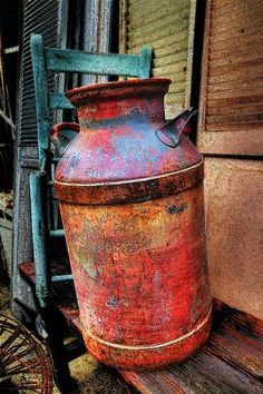 Milk Can with patina! Old Milk Cans, Milk Jugs, Milk Can Decor, Painted Milk Cans, Vintage Milk Can, Milk Churn, Rust In Peace, Rustic Decor, Painted Furniture