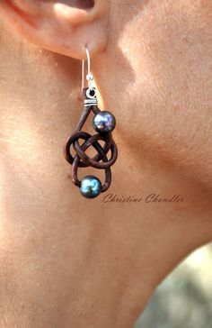Pearl and Leather Earrings -  2 Pearl Friendship Knot Brown Peacock - Pearl and Leather Jewelry Collection