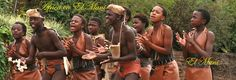 Jóvenes nigerianos, en una danza típica. El Muni