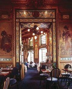 La Cigale. Brasserie fondée en 1895, place Graslin, Nantes.