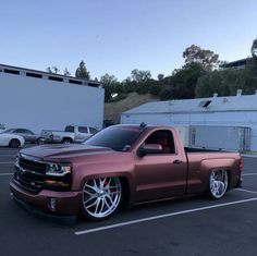 Pink Chevy Trucks, Chevy Trucks Lowered, Custom Chevy Trucks, Chevy Pickup Trucks, Classic Chevy Trucks, Chevy Pickups, Gmc Trucks, Lifted Trucks, Chevy Silverado Single Cab