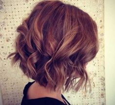 20 Short Wavy Layered Hairstyles