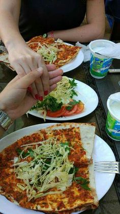 ANONİM IN HUMOR You have a message from Whatsapp. An unknown num… # Humor # amreading # books # wattpad Fake Girls, Story Instagram, Fake Photo, Very Hungry, Vegetable Pizza, Love Food, Snapchat, Photos, Food And Drink