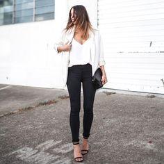 Modernlegacy is wearing: Zara blazer, Camilla and Marc tank top, Lee jeans, Proenza Schouler bag, Alexander Wang heels. Get The Look: Zara. Fashion Moda, Womens Fashion, Style Me, Cool Style, Inspiration Mode, Fashion Inspiration, Street Chic, Paris Street, Bago