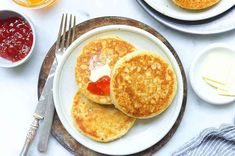 Leftover sourdough starter used for crumpets or pikelets, from King Arthur Flour Sourdough Crumpet Recipe, Sourdough English Muffins, Sourdough Pancakes, Sourdough Recipes, Sourdough Bread, Bread Recipes, Baking Recipes, Cake Recipes, Cinnamon Crumb Cake