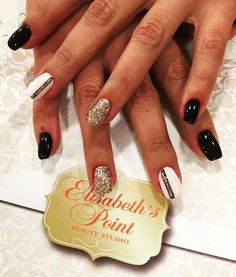 Nail's art @ Elisabeth's Point.Black,silver,white & glitter !