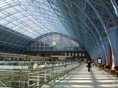 St Pancras railway station, London (photo taken 2009)
