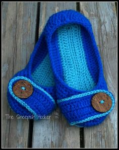 The perfect ladies slipper. Comfortable & cute these will keep those toes warm all winter long. $22/pair made in your color choice.