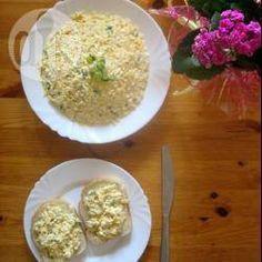 Pasta jajeczna z serem żółtym - http://allrecipes.pl/przepis/8339/pasta-jajeczna-z-serem----tym.aspx