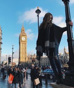 //PINTEREST: selinaa// Literally thought there was a giant lady