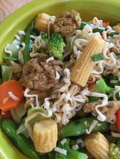 Ramen noodles with Companion Curry Cha'I Pow Yü (Seitan Tidbits) and veggies