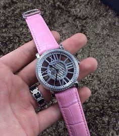 CARTIER卡地亚 镂空腕表 ⌚️石英瑞士机 蓝宝石防刮玻璃 送原装盒一套。诚招代理,一件代发。N22550550 微信联系:LA889988