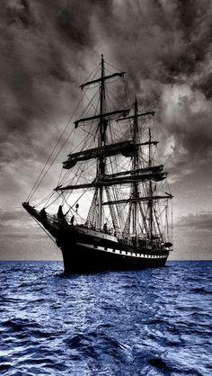 """¿Qué tenemos ahora? ¿Un barco?, dije yo. Exacto, Amadeo, un barco... Cita de """"Los detectives salvajes"""", Roberto Bolaño."""