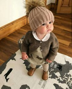Those chubby cheeks .- Those chubby cheeks … – – Baby Kind, Pretty Baby, Baby Love, Fashion Kids, Baby Girl Fashion, Beach Fashion, Baby Outfits, Kids Outfits, Newborn Outfits