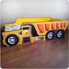 Pat copii Basculanta Wooden Toys, Car, Shapes, Wooden Toy Plans, Wood Toys, Automobile, Woodworking Toys, Vehicles, Cars