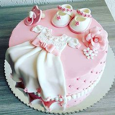 Such a cute and unique baby shower or birthday cake. The D… – baby kuchen - Baby Shower Baby Cakes, Baby Christening Cakes, Baby Birthday Cakes, Cupcake Cakes, 1st Birthday Cake For Girls, Baptism Cakes, Shoe Cakes, Pink Cakes, Birthday Kids