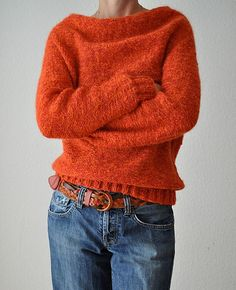 Ravelry: Redy pattern by ANKESTRICK | Knit in the round and top down... Love the neck!