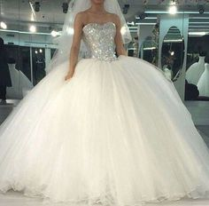 New Ball Gown Wedding Dresses Long With Crystal Beaded Luxury Wedding Dress 2017 Vestidos de novia Sexy Bride Bridal Gowns Poofy Wedding Dress, Luxury Wedding Dress, Long Wedding Dresses, Princess Wedding Dresses, Bridal Dresses, Wedding Gowns, Tulle Wedding, Ivory Wedding, Ball Dresses