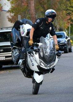 Real OR Fake - Wheelie Wednesday Edition #Realorfake #wheeliewednesday #motorcycle #cop #showoff