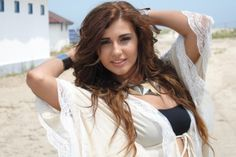 Alina a filmat videoclip pentru piesa Tu esti vara mea + POZE… Long Hair Styles, Tank Tops, Beauty, Beautiful, Collection, Awesome, Girls, Women, Products