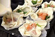 Příprava lososových košíčků se špenátem. Fresh Rolls, Sushi, Cabbage, Menu, Vegetables, Ethnic Recipes, Menu Board Design, Vegetable Recipes, Cabbages