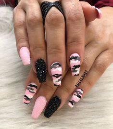 If your boyfriend or husband is a glorious soldier, I& sure you& like camouflage nail designs or camo nail designs. These are perfect attempts to use Camouflage Nail Design in another modern style. If you also like camouflage nail designs, look Yellow Nails Design, Yellow Nail Art, Camo Nail Designs, Acrylic Nail Designs, Nail Swag, Diy Ongles, Camouflage Nails, Pink Camo Nails, Camo Nail Art