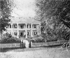 Old Southern Homes, Southern Plantation Homes, Southern Mansions, Southern Plantations, Southern Gothic, Southern Living, Southern Style, Southern Architecture, Architecture Old