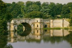 Blenheim Palace - Grand Bridge by WVJazzman on Flickr