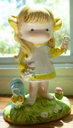 Joan Walsh Anglund Wolfpit Girl with Watering Can & Butterfly 1973 Figurine