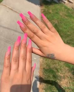 131 entire powder dip nails for your lovely nails give you nail vip look page - Care - Skin care , beauty ideas and skin care tips Pink Ombre Nails, Summer Acrylic Nails, Best Acrylic Nails, Acrylic Nail Designs, Classy Acrylic Nails, Aycrlic Nails, Glam Nails, Classy Nails, Coffin Nails