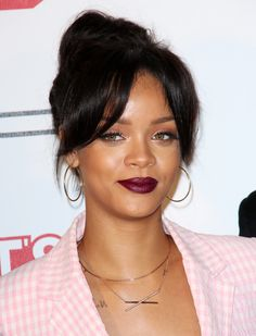 Rihanna's latest street style look is an edgy, awesome throwback