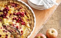 Apple&lingonberry pie for fall!