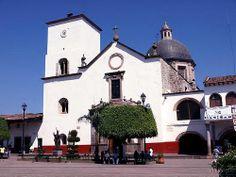 Visita nuestro pintoresco pueblo mágico de Tacámbaro en Michoacán y conoce la historia de su catedral. La primera piedra de la catedral de Tacámbaro, fue puesta en el año de 1538 por Fray Juan de San Román y Fray Diego de Chávez y terminada su construcción en 1567. En el mismo año de 1567, la iglesia sufrió un terrible incendio y todo quedó totalmente destruido. Después, fue reconstruida terminando el 2 de agosto de 1667. www.vivemichoacan.com