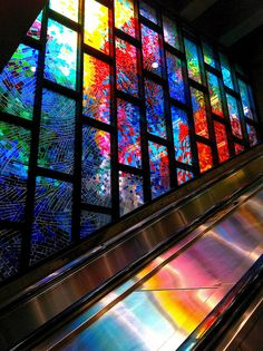 Mario Merola et Pierre Osterrath, Vitraux, Plan Montreal, Metro Montreal, Montreal Ville, Stained Glass Art, Stained Glass Windows, Mosaic Glass, Amazing Architecture, Interior Architecture, Exterior Design