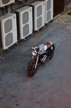 auto-fabrica-type-2-custom-built-motorbike-15