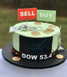 Buttercream frosting with edible decorations: stock market themed birthday cake Money Birthday Cake, 31st Birthday, Themed Birthday Cakes, Themed Cakes, Birthday Parties, Birthday Decorations, Birthday Ideas, Bithday Cake, Cake Stock