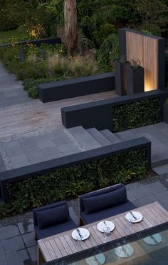 41 easy and creative diy outdoor lighting ideas 28 Backyard Garden Design, Balcony Design, Modern Landscaping, Backyard Landscaping, Garden Swimming Pool, Pool Water Features, London Garden, Side Garden, Garden Architecture