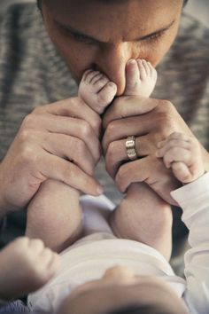 kinda obsessed with this photo of nick lachey & his boy! the baby toes on his nose, the wedding ring, the neutral colors... LOVE it all! : ) #baby #babies #cutebaby #babypics – More at http://www.GlobeTransformer.org