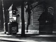 André Kertész Hotel De Ville, Paris, 1925