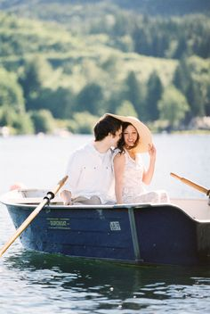 Romantic rowboat engagement session | Photography: Joe & Patience - joeandpatience.com  Read More: http://www.stylemepretty.com/2014/05/09/rowboat-lake-samish-engagement/